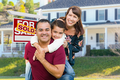 Husband, wife, and daughter in front of home sold with help from a broker who knows how top agents market homes